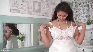 हॉट पाकिस्तानी गर्ल का सेक्सी ऑडियो वाला वेबकेम